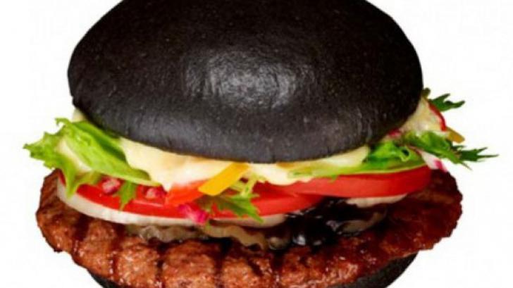 Kuro Burger เบอร์เกอร์สีดำ จาก เบอร์เกอร์คิง
