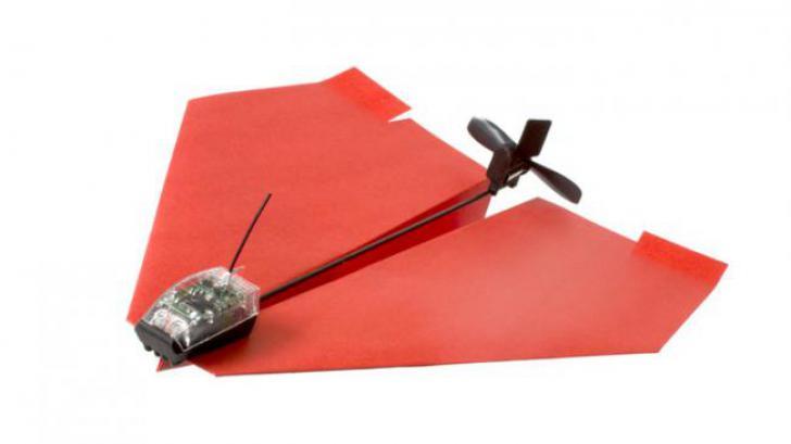 เปลี่ยนเครื่องบินพับจากกระดาษเป็นเครื่องบินบังคับวิทยุในพริบตาด้วย PowerUp 3.0