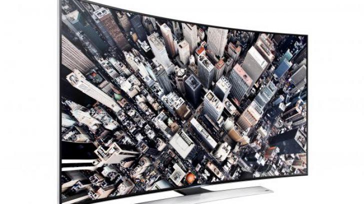 Samsung เปิดตัว Curved UHD TV ทีวีจอโค้ง