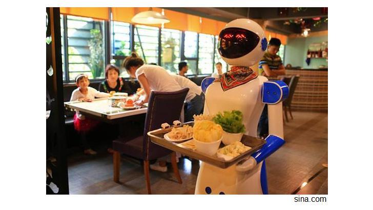 หุ่นยนต์เสริฟอาหารในจีน ทำป่วน ชวนให้ร้านเจ๊ง! ได้เลยทีเดียว