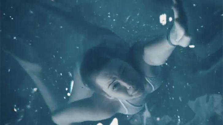 เจนนิเฟอร์ ลอว์เรนซ์ หวิดจมน้ำในภาพยนตร์ Passengers