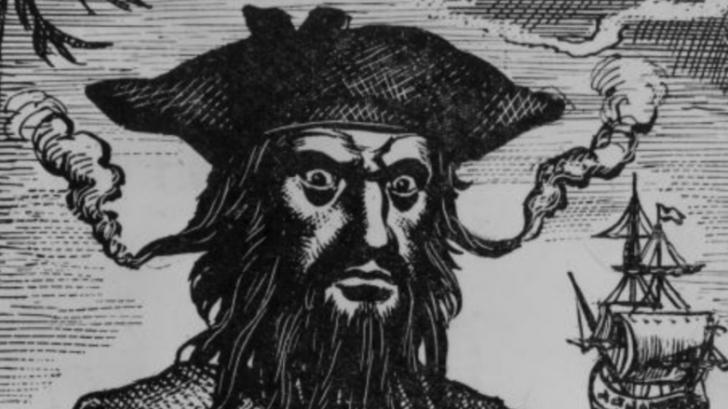 ค้นพบหลักฐานจากเรือโจรสลัด ไอ้เคราดำ Blackbeard เผยให้เห็นว่าพวกเขาอ่านอะไรในเวลาว่าง