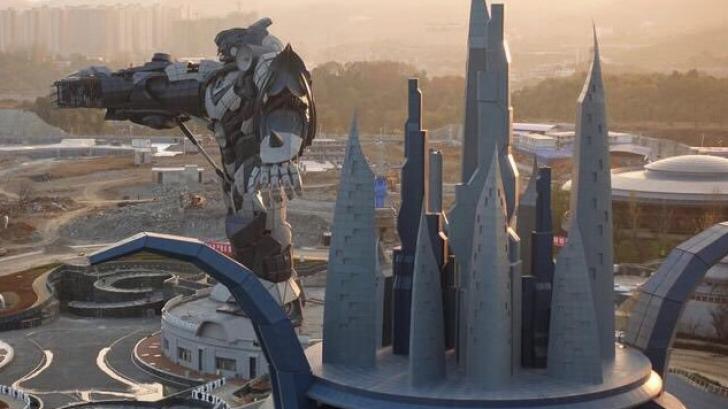 อยากไป! พี่จีนสร้างสวนสนุก VR ขนาดยักษ์!