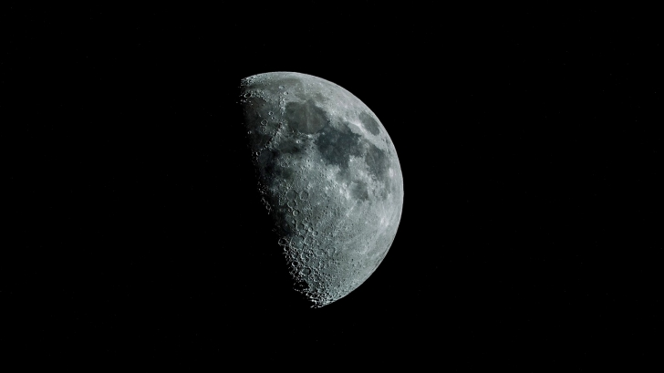 นักวิทยาศาสตร์ค้นพบแล้ว โลกเราไม่ได้มีดวงจันทร์แค่ดวงเดียว!