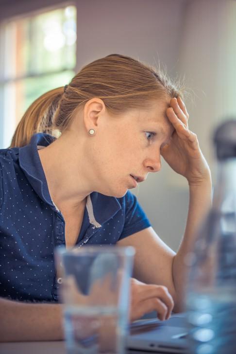 8 สัญญาณอันตรายเกี่ยวกับโรคตับ แสดงให้เห็นว่าคุณควรไปพบแพทย์โดยเร็วที่สุด