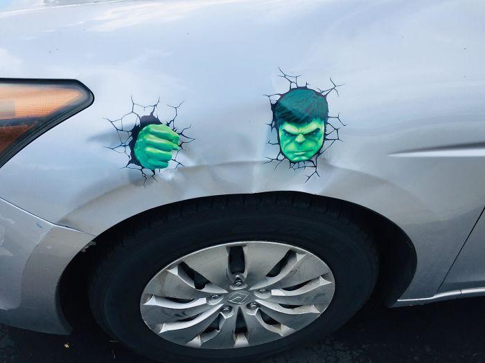 18 ภาพศิลปะสร้างสรรค์สุดเจ๋ง ที่เกิดจากริ้วรอยการชนต่างๆ บนรถยนต์