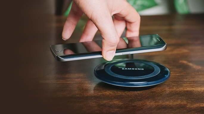 Samsung ประกาศว่าจะไม่แถมที่ชาร์จให้กับสมาร์ทโฟน (บางรุ่น) ในปี 2021 !?